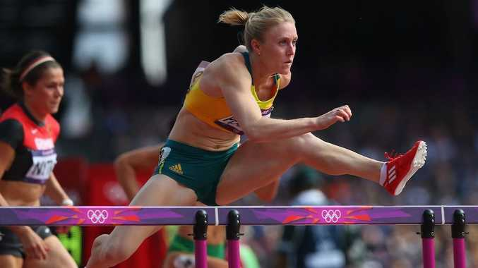 Sally Pearson is through to the final of the women's 100 metre hurdles.