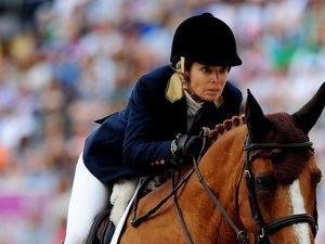 Showjumping pair into final