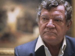 Author Robert Hughes dies at age 74