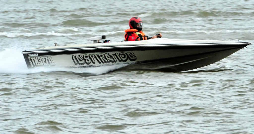 John Cole makes a splash in Inspiration at the Bundaberg Power Boat meeting.