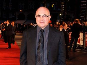 Bob Hoskins retires from acting
