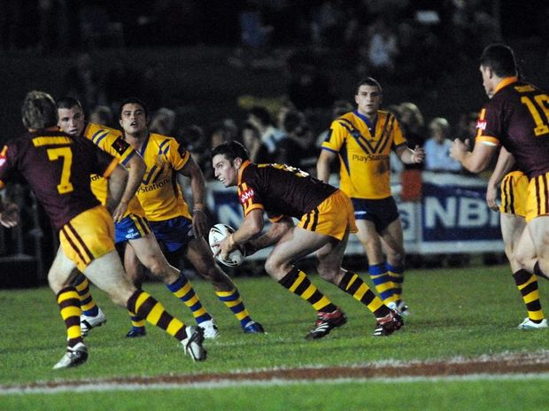 Country hooker Danny Buderus darts from dummy half during the 2007 City v Country clash played at Coffs Harbour's BCU International Stadium.
