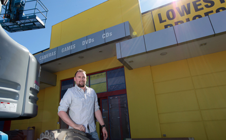 JB Hi-Fi MacGregor have recently moved to the previous Wow Sight and Sound building at Oxley. Pictured is store manager Terry Holt.