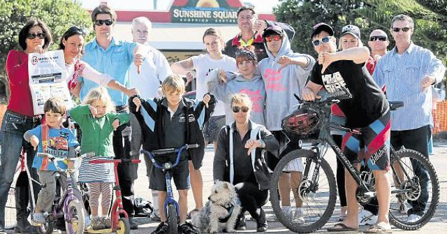 Northern Beaches Alliance members are calling on the State Government to build a standalone cycle path along the Sapphire to Woolgoolga Pacific Highway upgrade.