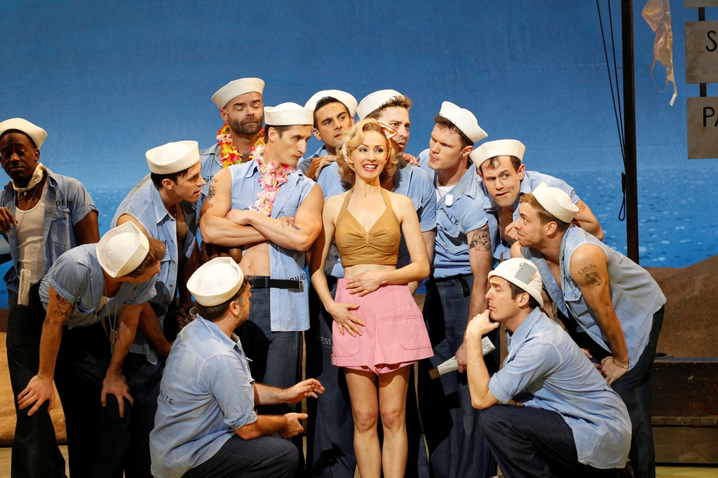 Hit musical South Pacific