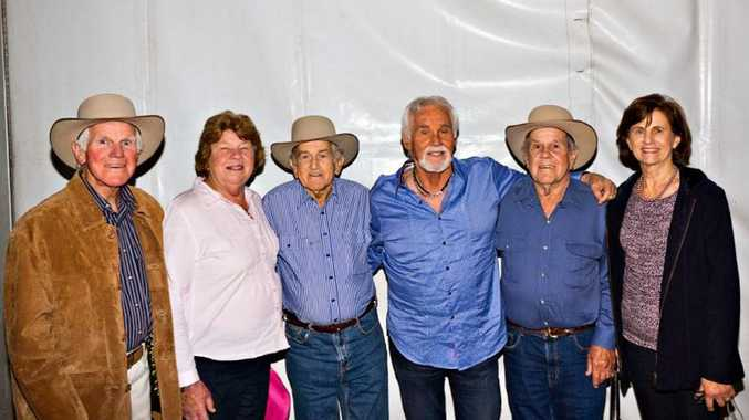 Webb brothers meet kenny rogers gympie times webb brothers meet kenny rogers m4hsunfo