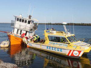 Houseboat refloated