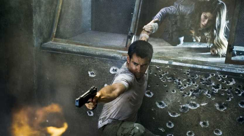 Colin Farrell and Jessica Biel in a scene from the movie Total Recall.