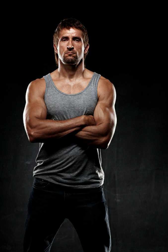 Jonathon LaPaglia stars in the TV series Underbelly: Badness.