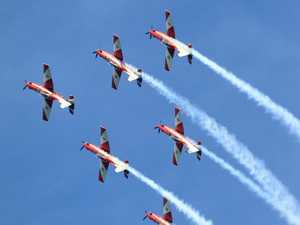 LOOK UP! Roulettes to wow with low-level aerobatics display