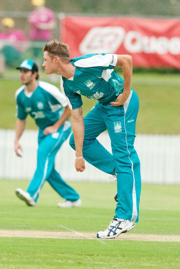 Former Ipswich Grammar school cricketer Cameron Gannon will play in the T20 Big Bash League with the Brisbane Heat in 2012/13.