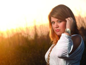 Kelly Clarkson stronger than ever