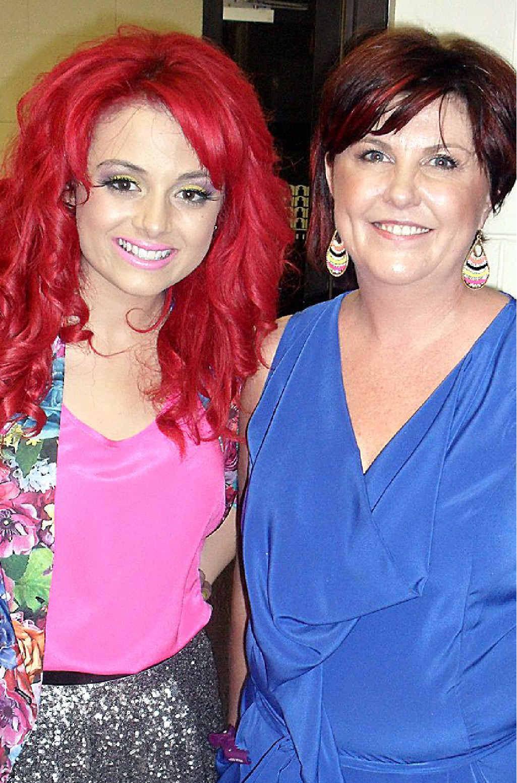 Songstress Sarah De Bono with Halo of Mooloolaba owner Naomi Carter.