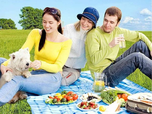 Remember, food poisoning may lurk in ill-stored picnic goodies.