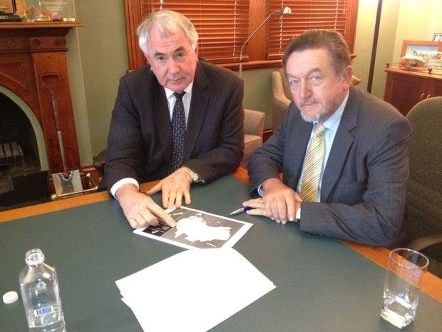 Mayor Paul Antonio and Australasian Railway Association CEO Brian Nye talk rail at City Hall.
