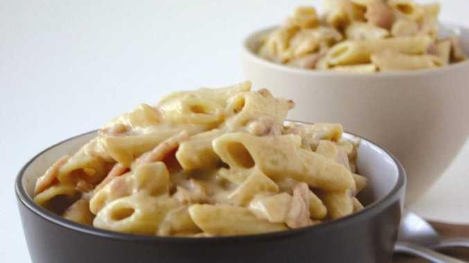 Penne pasta in creamy bacon sauce