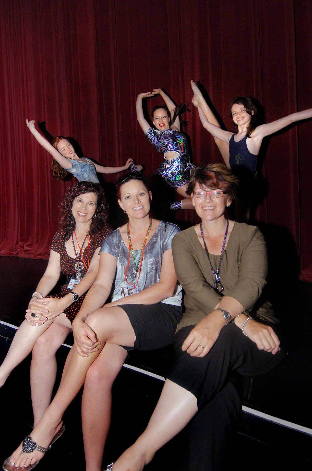 Lesa Walker, Cindy Hayes and Rebecca Marsh and daughters Taylor Hayes, Ebony Walker and Peita Marsh.