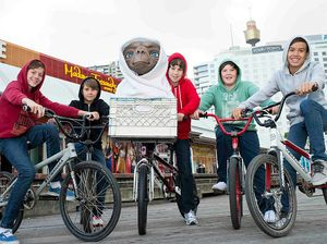 E.T. comes to Madame Tussauds