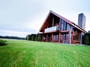 Satisfy your senses with a short break at Spicers Peak Lodge