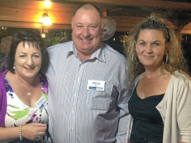 Councillor Janie Holstein celebrates Withcott's Tidy Town win with Mayor Steve Jones and Deputy Mayor Tanya Milligan.