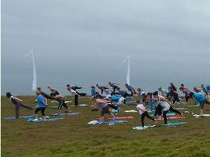 Health fanatics find perfect balance at outdoor class