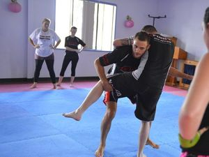 UFC fighter Osipczak runs workshop