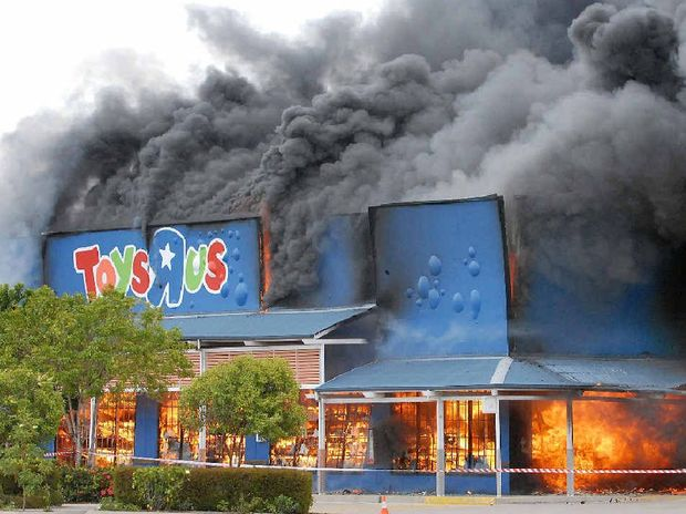 Toys R Us Greenfields goes up in flames.
