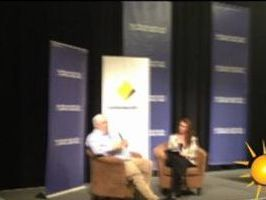 Clive Palmer speaks at Coolum breakfast