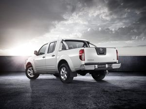 Nissan celebrates 25 years with special edition Navara