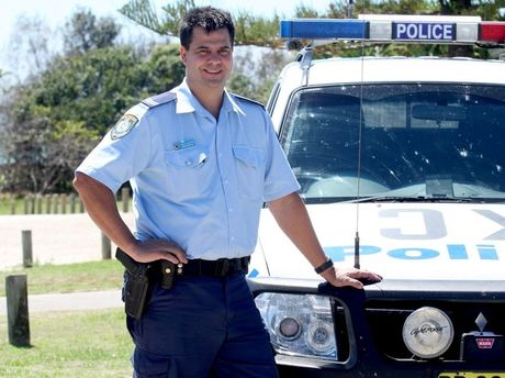 Tony Atkins of Kingscliff Police on the job. Photo: Blainey Woodham / Daily News