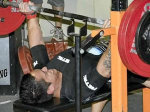 Powerlifter smashes Australian bench press record