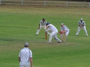 Umpires centre of surprise call in sensational cricket round
