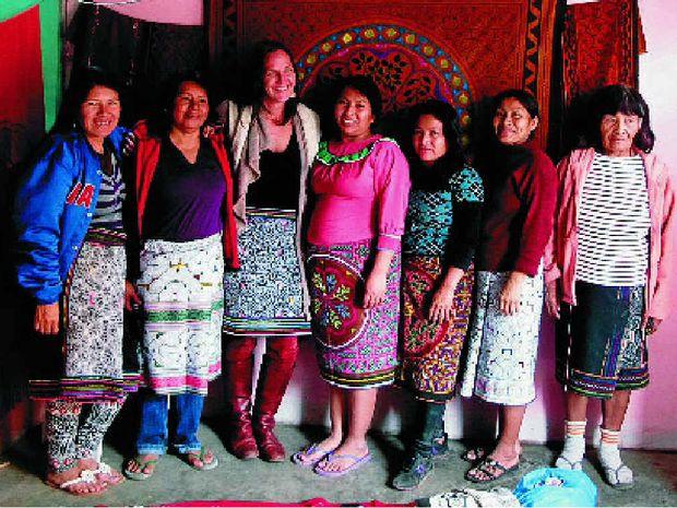 GENERATIONAL GEOMETRY: Samaya Zakay with Shipibo artisans.