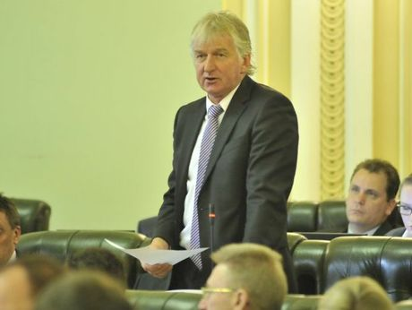 Katter's Australian Party Ray Hopper speaking in parliament.
