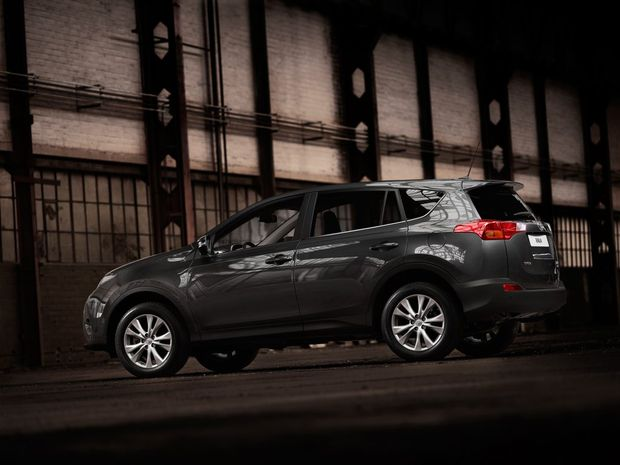 Toyota's new RAV4 will be available with a turbo-diesel engine, along with two four-cylinder petrol options.