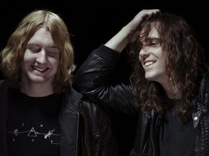 DZ Deathrays keen to play El Grande gig