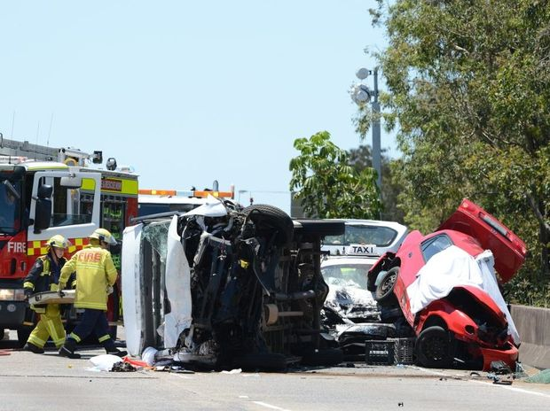 The traffic accident on the M1 south bound two hundred metres south of the Kennedy drive on ramp. Photo John Gass / Tweed Daily News