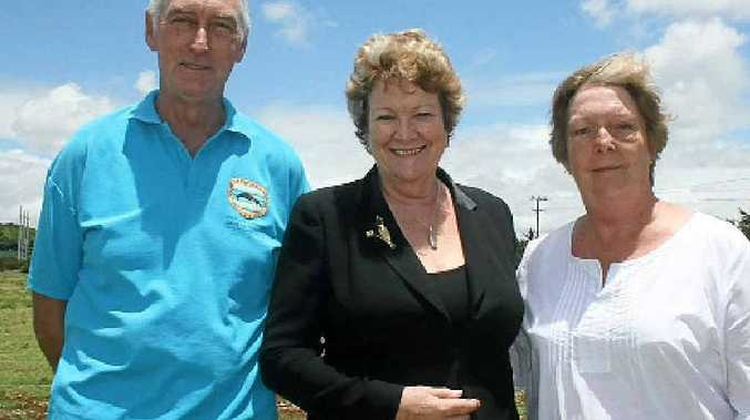 HAPPY: Health Minister Jillian Skinner (centre) joins Tony McCabe and Rae Cooper at Ewingsdale on Tuesday. Photo: Jann Burmester.