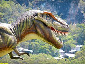 Dinosaur steals the show at PGA