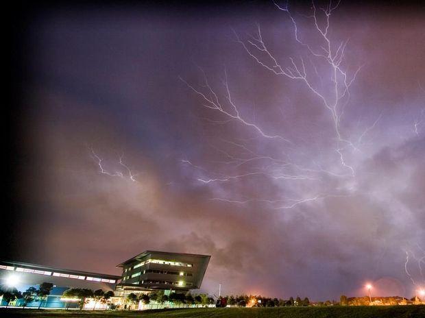 Lightning strikes over Sunshine Coast. Photo: 3RDi Photography