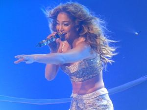 Jennifer Lopez gives fans a dazzling show in Brisbane