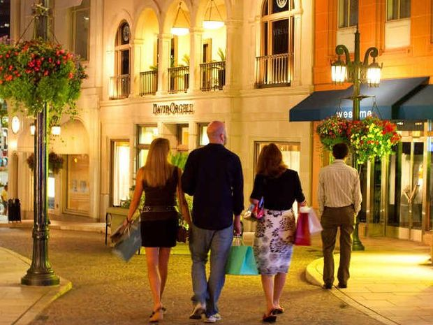 Late night shopping takes a glamourous twist on Rodeo Drive.