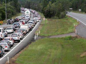 Pacific Highway queues at Ewingsdale 3km in length