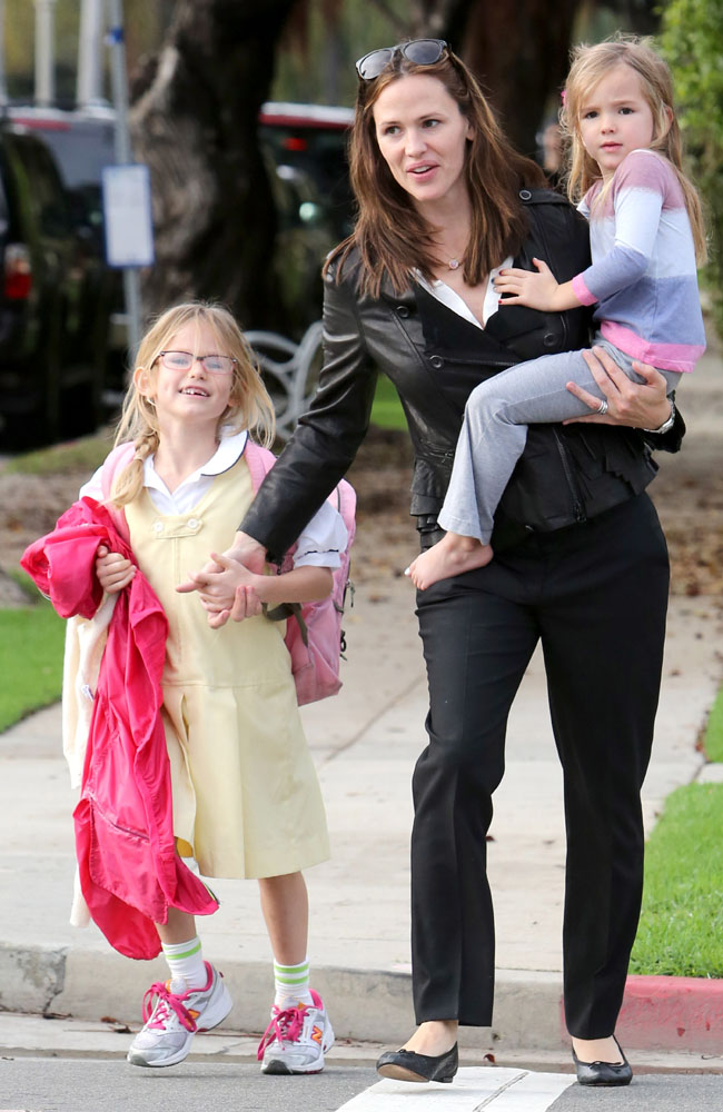 Jennifer Garner with daughters Violet and Seraphina.