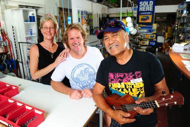 Glenda Jackson, Phil Geck, owner of 1770 Marina Cafe, and Bob Te Hira, owner of Fish 1770.