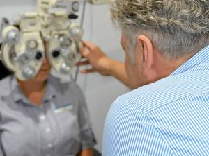 Motoring experts call for mandatory eye tests on all drivers