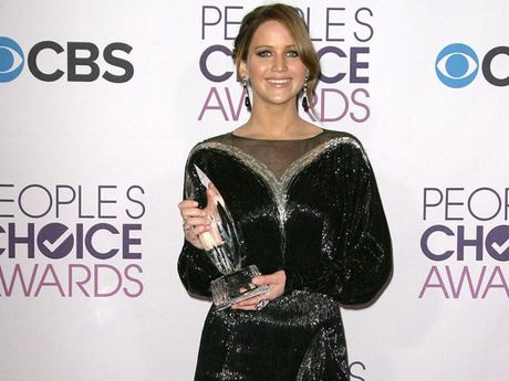 Jennifer Lawrence with her People's Choice Award.