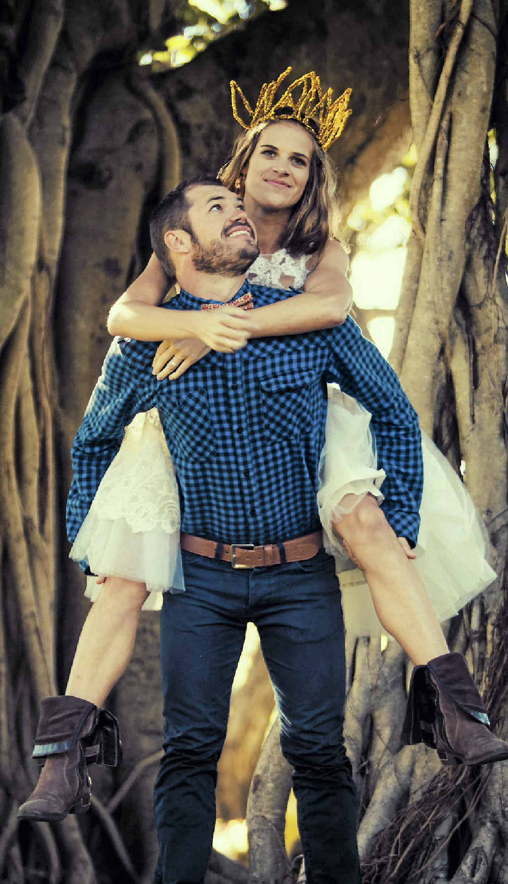 Mia Smith will marry Eben Rainey in New Zealand in a month's time.