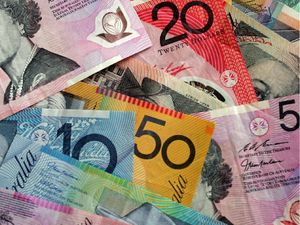 Australian economy needs to fill financial 'pothole'