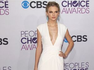 Taylor Swift 'begged' to be set up with Bradley Cooper